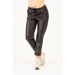 Pantaloni negri din piele ecologica gen boyfriend