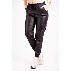 Pantaloni Cargo Negri Din Imitatie De Piele