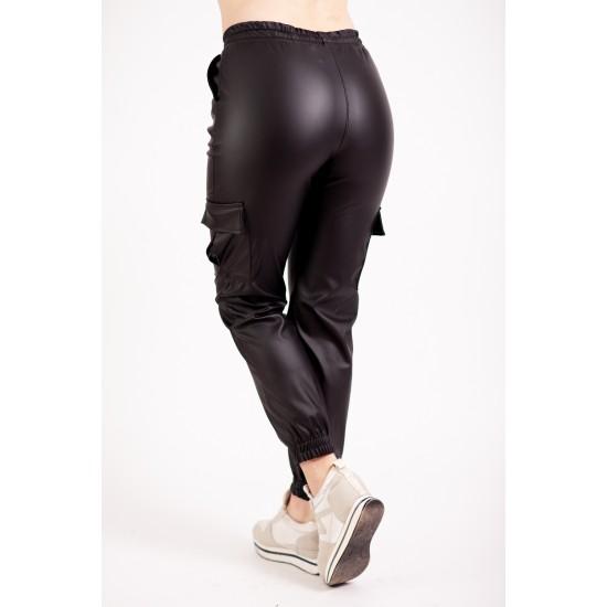 Pantaloni Cargo Negri Din Imitatie De Piele Vatuiti